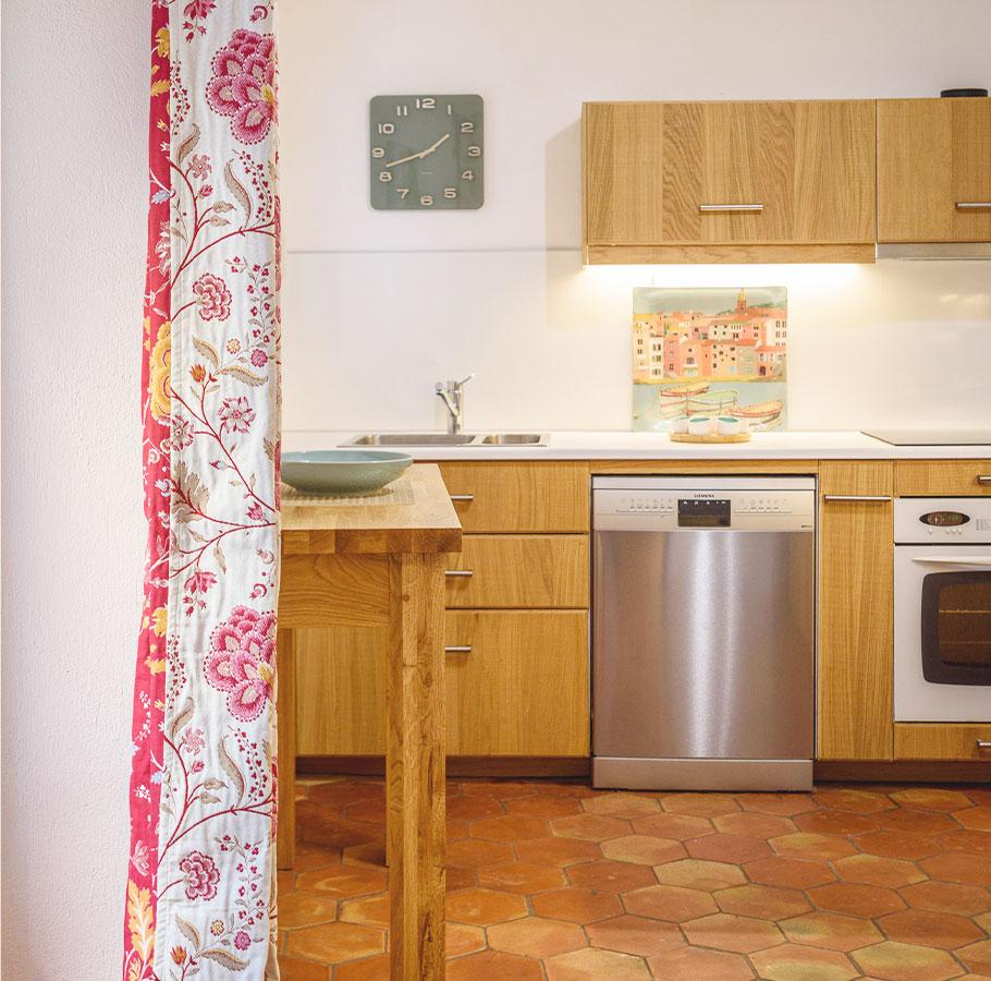 Maison Magdeleine - Kitchen & laundry
